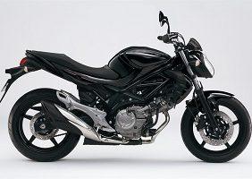 Suzuki Gladius schwarz Fahrschule klein